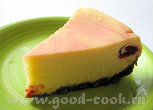 КЛУБНИЧНЫЙ ЧИЗКЕЙК ОСНОВА: 200 г шоколадного печенья, измельченного в блендере 150 г масла, растопи...