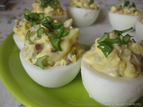Яйца фаршированные с грибной начинкой