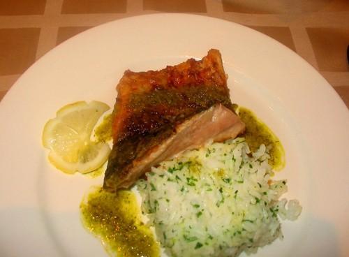 """А у нас сегодня супер легкий ужин: салатик-типа """"Оливье""""-только с куринной грудкой А второе было на... - 2"""