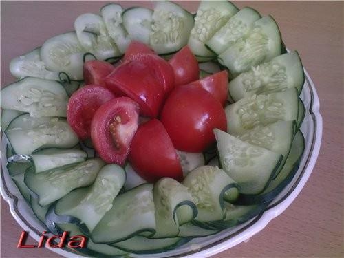 Овощная нарезка (украшение блюда) Огурцы помидоры