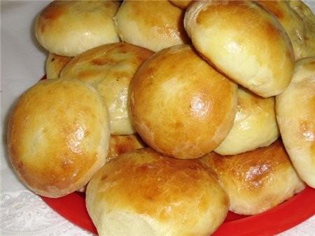 Пирожки с яблоками Сегодня делала тесто на молоке и добавила немного кефира