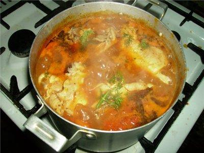 Я как истинный любитель томатов принесла вам еще один рецептик Курочка с паприкой, тушёная с картош...