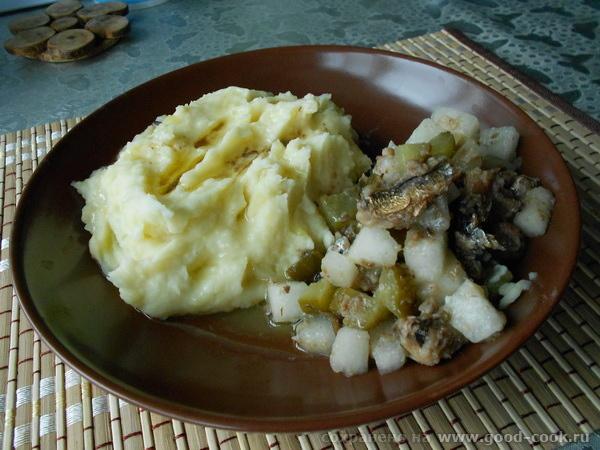 картофель-шпроты-дыня-соленый огурец