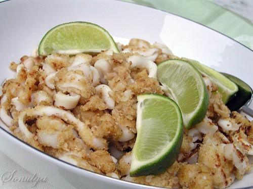 Мы с мужем очень любим Calamari Fritti - ето кальмары запанированные и жаренные во фритюре