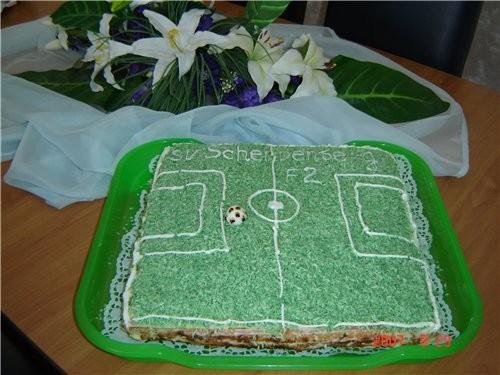 Вот хочу показать тортики, которые я пекла моему знакомаму на Юбилей - 3