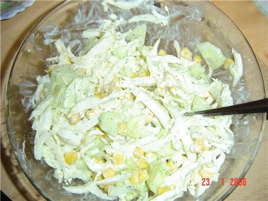 салатик из китайской капусты и пловик