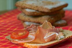 Дрожжевой хлеб Хлеб с сушенными помидорами Деревенский хлеб на закваске Ирландский cодовый цельнозе... - 4
