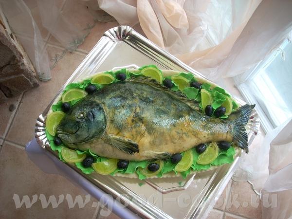Тортик в виде рыбы на блюде - 2