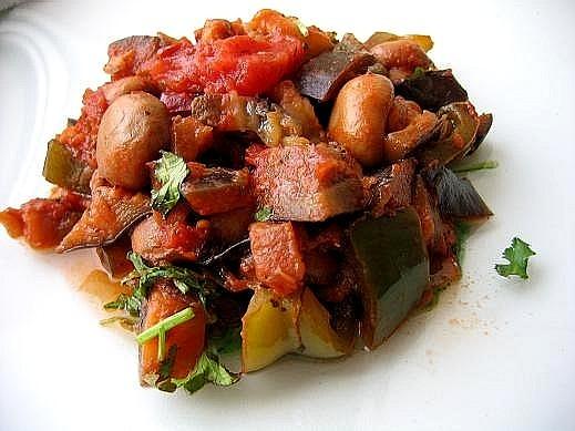 теплая закуска из баклажан 2 средних баклажана 1 болгарский перец(можно взять разноцветные) 1 банка...