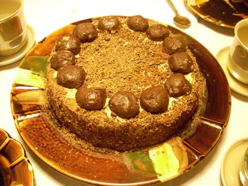 - Трюфельный торт от Мишель, фрукты, сливы в роме (у меня в коньяке) и тут уже пошёл особый курс- в... - 2