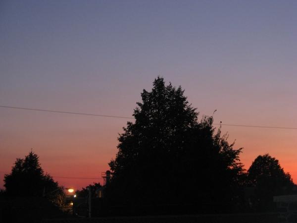 Принесла пару фото с выходных, уже видно начало осени, но пока тепло и солнечно - 8