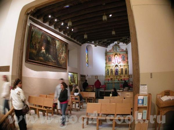 Собор действующий, при том, что процент верующих в стране велик, там где население имеет испанские... - 2