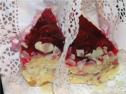 Малиново - карамельный торт Если у вас осталось песочное тесто или бисквитный корж, можно все употр...