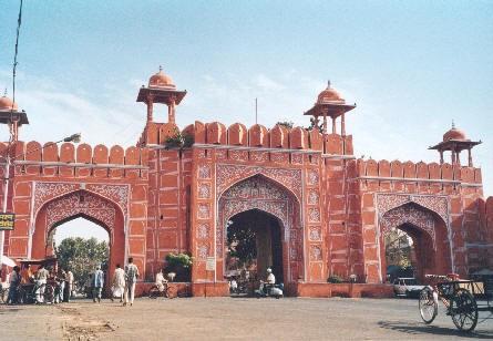 А я сегодня решила рассказать о нашей поездке в Джайпур, которая была 2 года назад