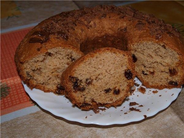 Шоколадный кекс с изюмом 2 яйца, пол стакана молока, пекарский порошок, пару ложек растительного ма...