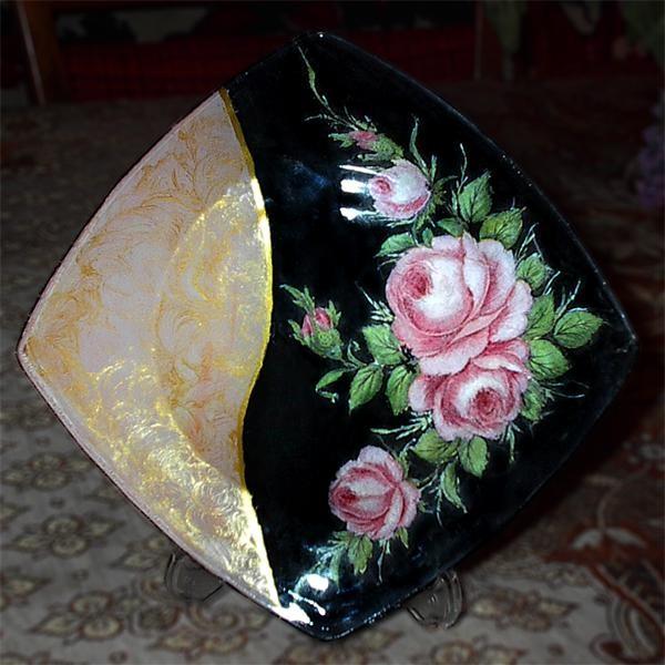 Розы на черном 1