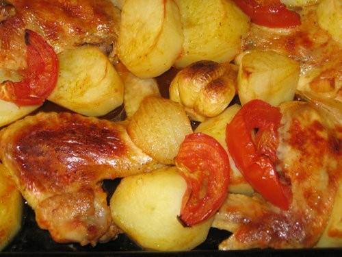 Вика, я тут у тебя Тунисскую кухню пристрою : Курица, запеченная в духовом шкафу Салат из огурцов и...