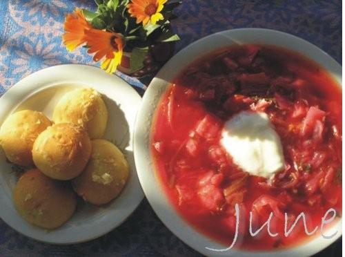 Борщ украинский с пампушками Для борща: 300 г говяжьего мяса, 1 шт