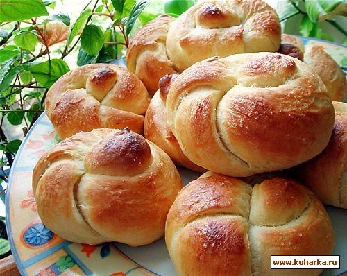 Сегодня из хрущевского теста испекла булочки и пирожки Как такие слепить, можно посмотреть здесь:...