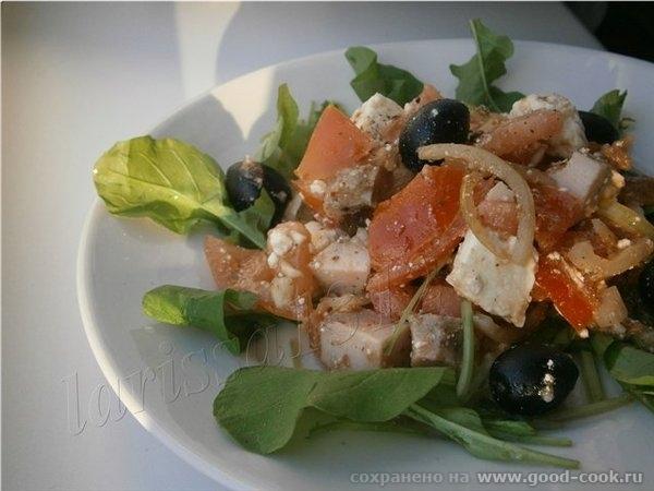 Салат из маринованного лука 1 крупная луковица помидор - 3 шт