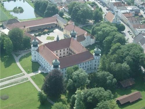 Как обещала Замок Тюслинг(SchloЯ TьЯling) В нём живёт настоящая графиня Grдfin Stephanie Bruges von...