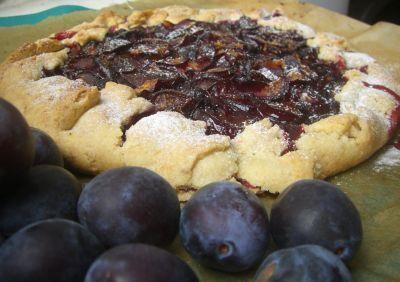прими благодарность за деревенский сливовый тарт вкуснятина невозможная
