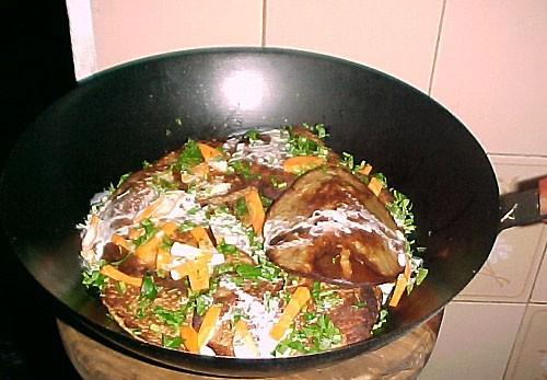 Наливаем на горячую сковородку, по принципу приготовления оладушков - 3