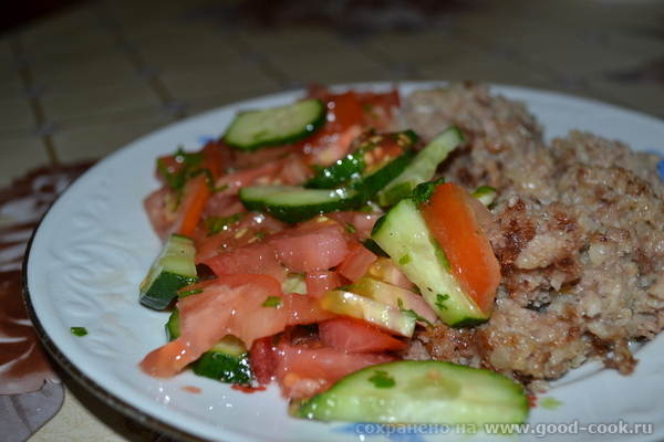 салат с гречкой и мясом