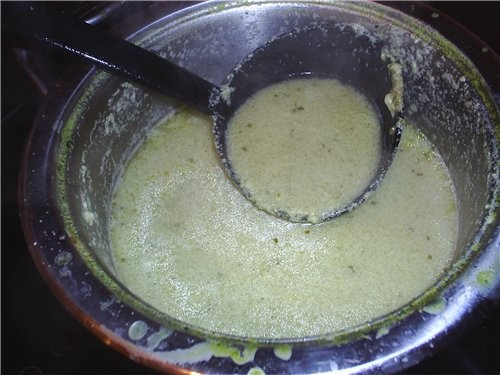 А я тут на днях делала броколли крем-суп от jalo Спасибо автору: оч вкусненький и легенький супчик
