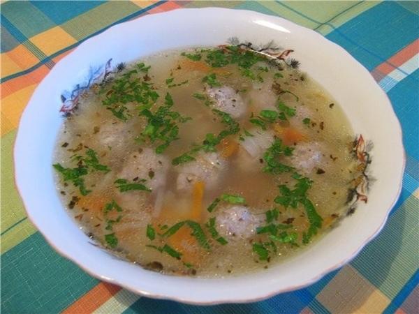 А я приготовила суп с фрикадельками