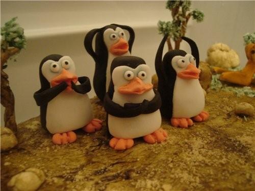 вот еще один с нотками черного юмора день рождение празднуют в боулинг центре ,а пингвины так похож... - 3