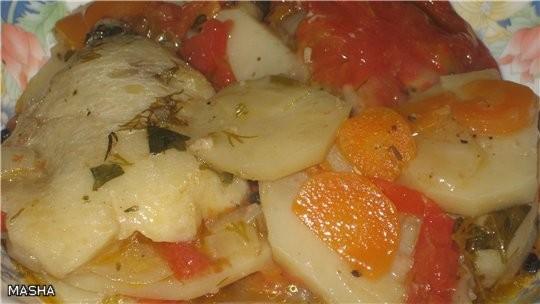РЫБА ПО ПОЛЬСКИ Филе рыбы ( унас была треска)300г помидоры (полукольцами) 2-3шт