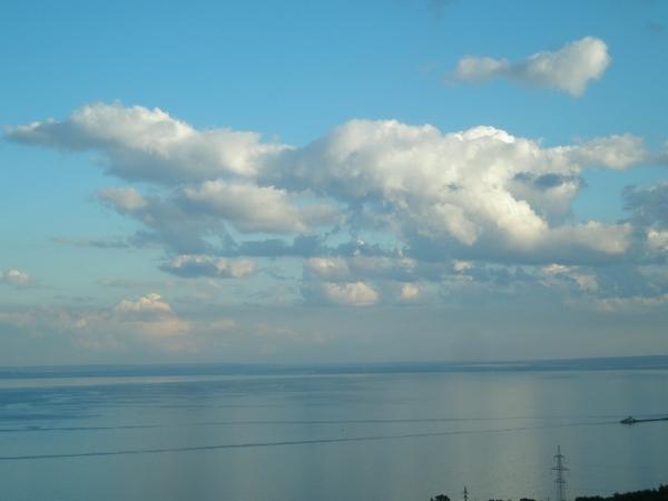 Облака над Волгой