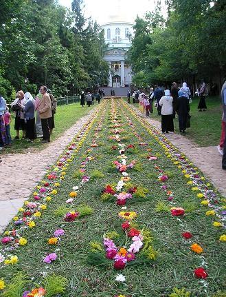 28 августа отмечается Успение Пресвятой Богородицы- престольный праздник Псково-Печорского монастыр... - 2
