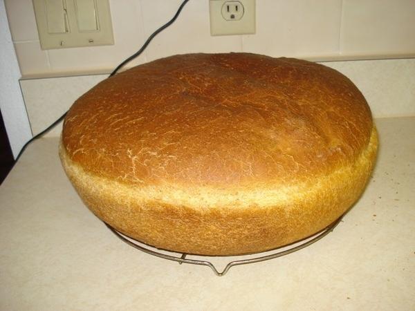 А вот и мой ПЕРВЫЙ хлеб на закваске - абсолютно без дрожжей