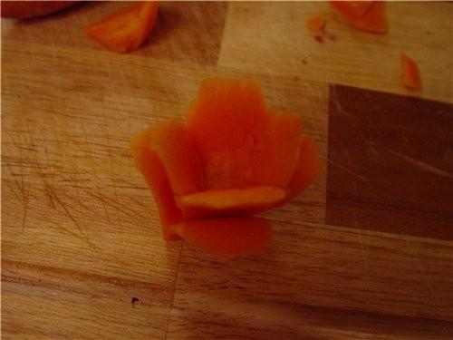 Если такой цветочек посадить на палочку и сделать их несколько, получится букетик - 3