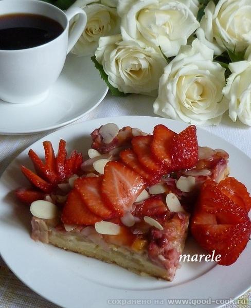 Пирог с ревенем и клубникой (Rhabarber - Erdbeer – Blechkuchen) (для противня 30х40см) Бесподобно вкусный, сочный и аро...