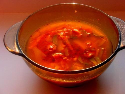 Девочки а у нас как всегда скромно все соляночка на второе на выбор: рожки с говядинкой в томатном...