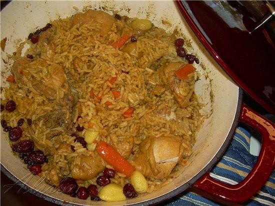 Сегодня хочу вас угостить Пловом, готовила его на курином мясе с клюквой и изюмом