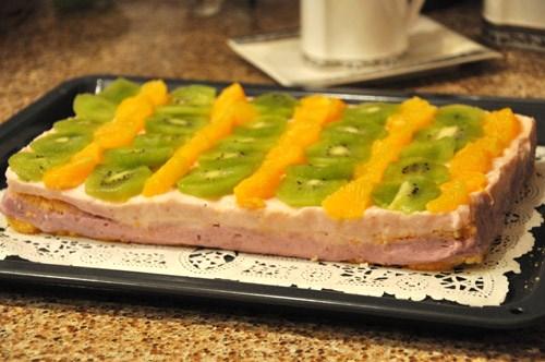 """Пирог """"Бисквит, йогурт и фрукты"""" - 2"""
