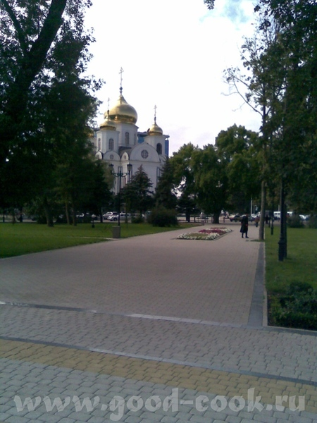 Собор Александра Невского Памятник Кларе Лучко - 2