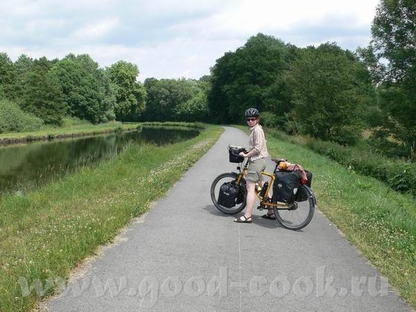 А это мы уже покинули Дуб и находимся на Canal du Rhфne au Rhin - канале между Роной и Рейном - 2