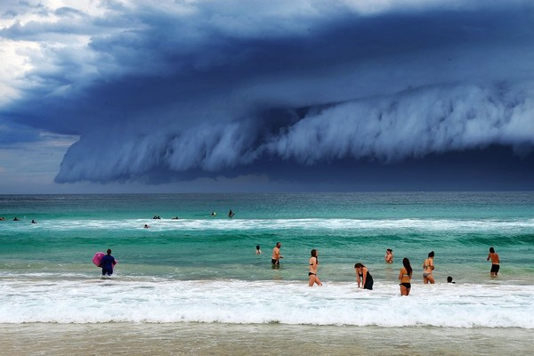 Tsunami cloud