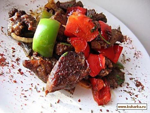 Говядина с перцем 400-500 г говядины (вырезка) - тонкими ломтиками 2 зубчика чеснока, толченых 1 па...