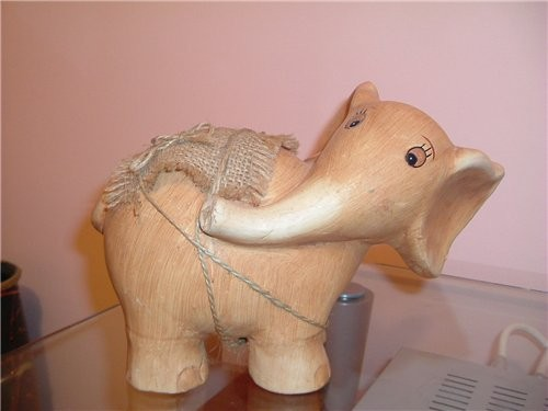 А вот еще один слоник