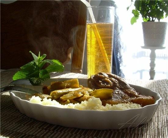 Кус-кус с зелеными бобами и телятиной в Арабском стиле порционно по количеству человек, среднего ра...