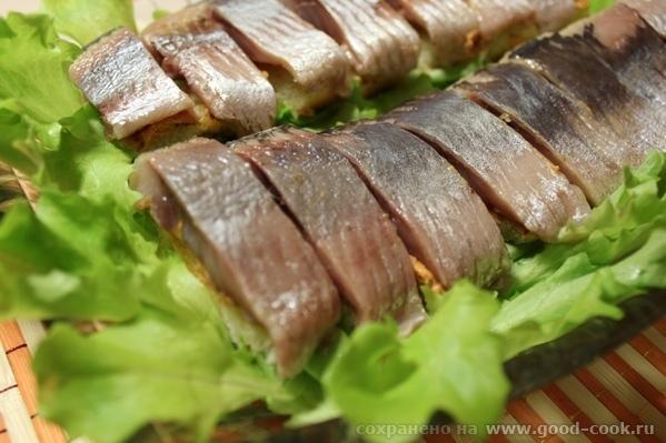 Бутики из селедки Нам нужно будет: Батон Филе селёдки Масло сливочное 50 гр Томат паста 1ст - 4