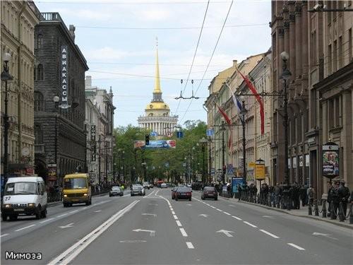Самое начало Невского проспекта - (помните, рассказывала вам о трех лучах, расходящихся от Адмиралт...