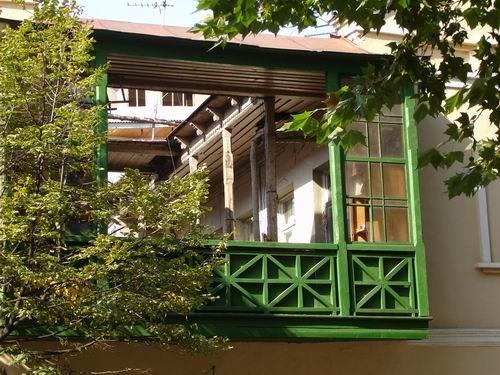 А вот и балкончик (или коридорчик