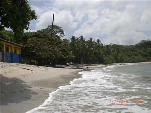 Скорость вашеи машины в Никарагуа часто регулируется скоростью коров Немножко пляжа, ето уже точно... - 2